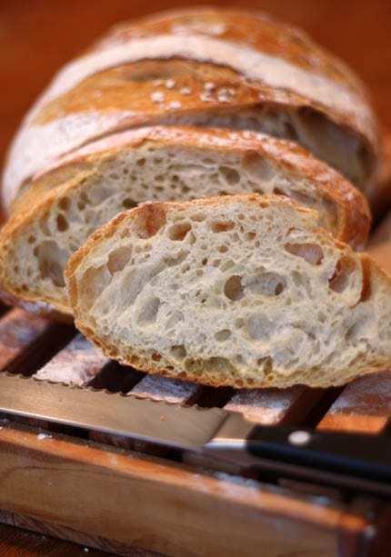 Pane senza impasto cotto nel forno olandese