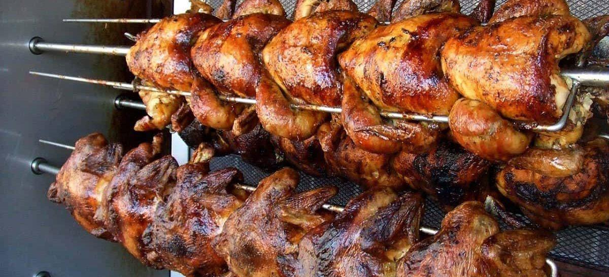 Girarrosto elettrico per barbecue: il fascino della rosticceria