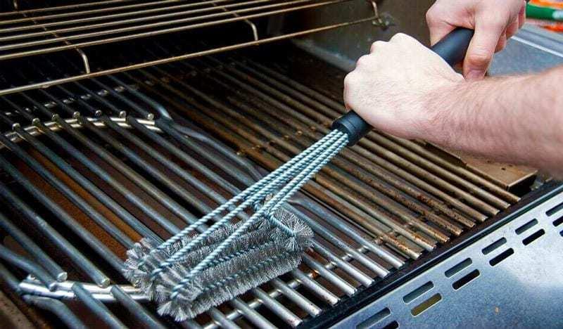 Come pulire il barbecue: la guida