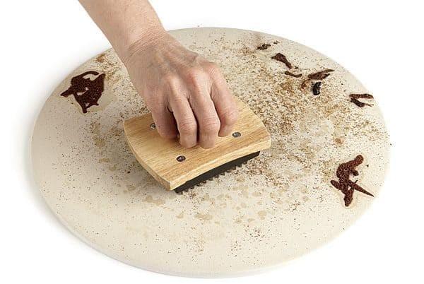 Come pulire la pietra refrattaria per pizza