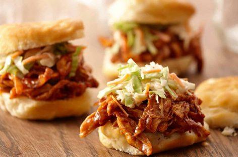 Ricetta Pulled Chicken bbq – Come fare al barbecue il pollo sfilacciato