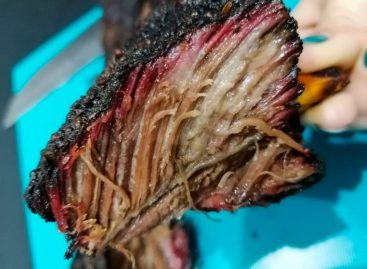 Beef Ribs al barbecue – le costine di manzo affumicate