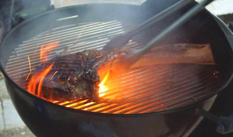 Bistecca alla griglia: la Tomahawk