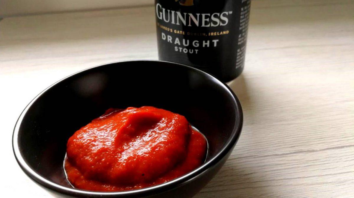 Salsa barbecue alla Guinness: una marcia in più per il tuo BBQ